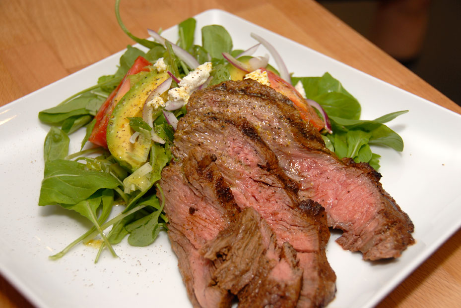 GRILLED SKIRT STEAK AND ARUGULA SALAD ON SEPTEMBER 23 – Mondo Dinner